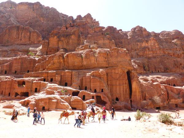 Магнит для туристов: древний город Петра (ФОТО)