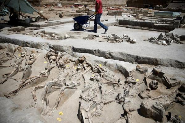 Греческие археологи нашли странное захоронение (ФОТО)