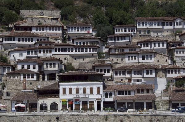 Берат – удивительный город тысячи окон (ФОТО)