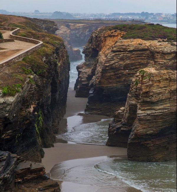Удивительное творение природы: пляж Кафедральных Соборов в Испании (ФОТО)