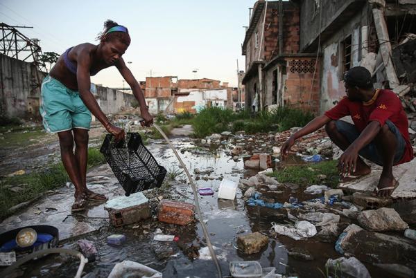 Дно Олимпиады: как выглядит Рио за пределами отмытых центральных районов (ФОТО)