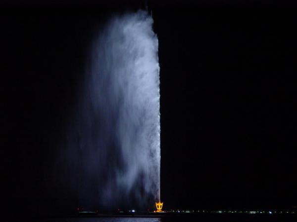 Самый высокий фонтан в мире (ФОТО)