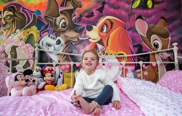 Талантливый отец превратил комнату дочери в настоящую сказку Диснея (ФОТО)