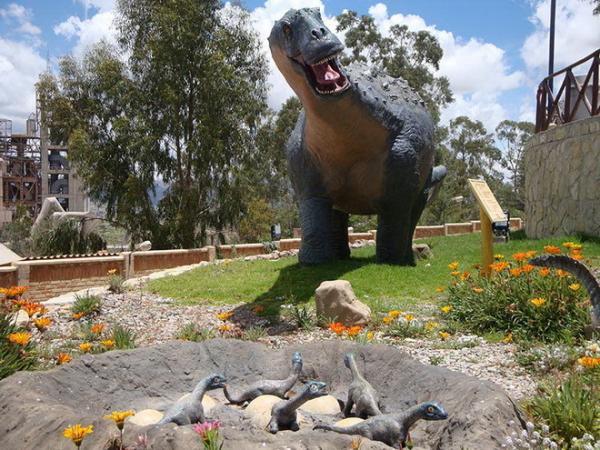 Привет из далекого прошлого: стена динозавров в Боливии (ФОТО)