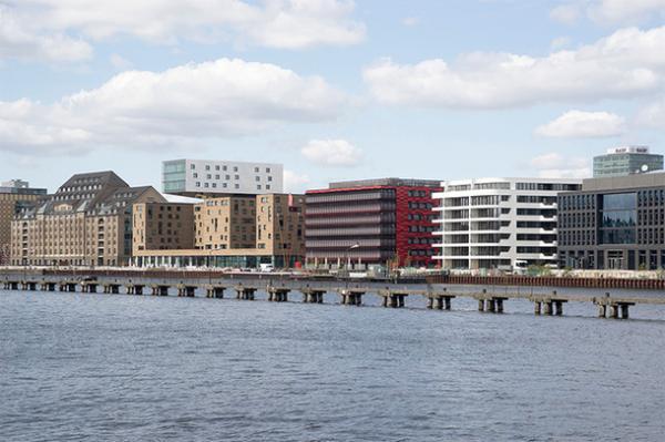 Архитектура большого города: дом-лайнер в столице Германии (ФОТО)