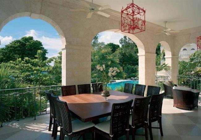 Рианна впервые похвасталась своими роскошными апартаментами (ФОТО)
