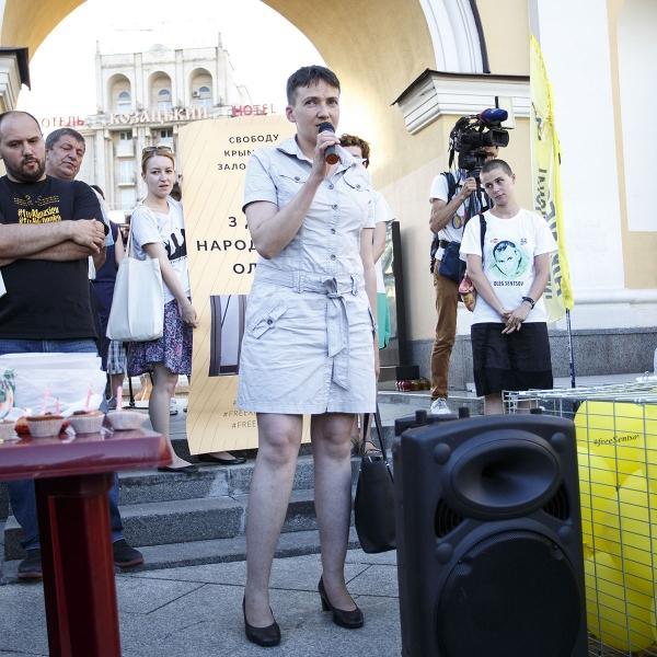 Легкая небритость Нади Савченко огорчила общественность (ФОТО)