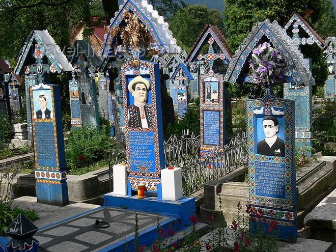 Веселое кладбище. Самое необычное место на Земле (ФОТО)