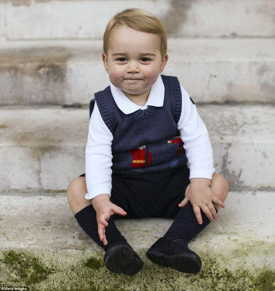 Маленький хулиган: лучшие снимки принца Джорджа (ФОТО)
