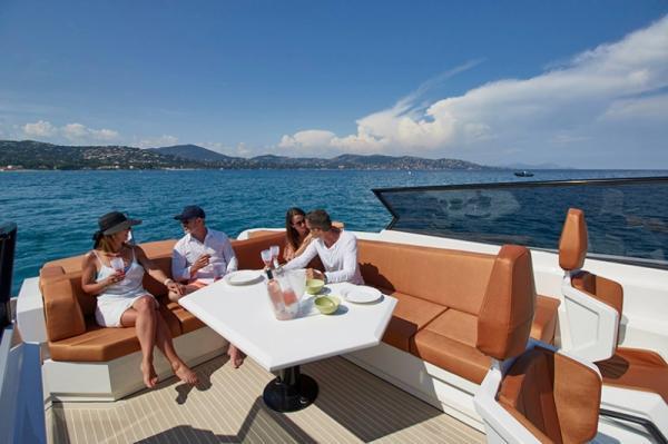 Группа знаменитых архитекторов создала идеальную яхту (ФОТО)