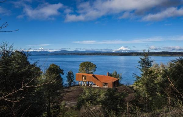 Мечта футуриста: дом на берегу озера, который спасёт от любых природных катаклизмов  (ФОТО)