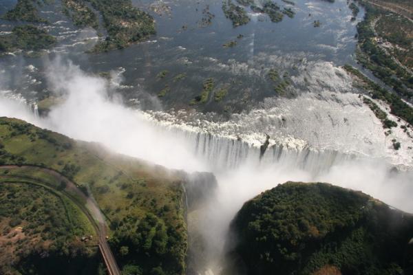 Водопад Виктория: одно из самых ярких чудес света (ФОТО)