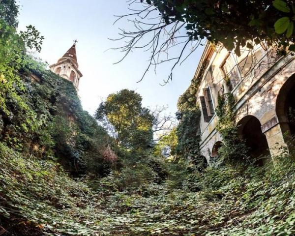 """Место с плохой репутацией: """"остров чумы"""" в Венецианской лагуне (ФОТО)"""