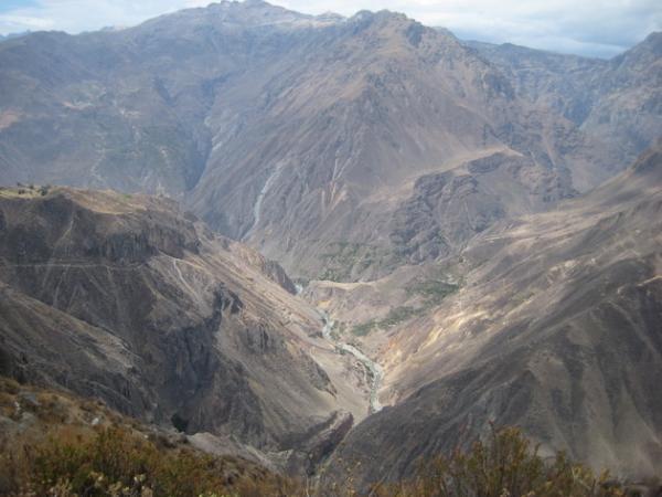 Захватывающая дух красота природы: самый глубокий каньон в мире (ФОТО)