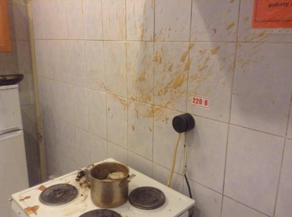 Поставил и забыл: что творится на кухне у забывчивых людей? (ФОТО)