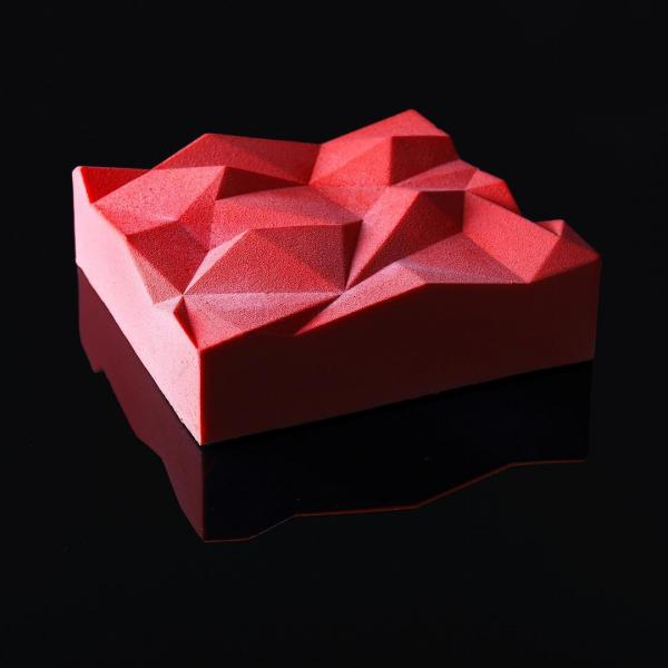Сладкие шедевры: украинский кондитер печет оригинальные торты (ФОТО)