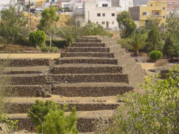 Загадочные пирамиды Гуимар на острове Тенерифе (ФОТО)