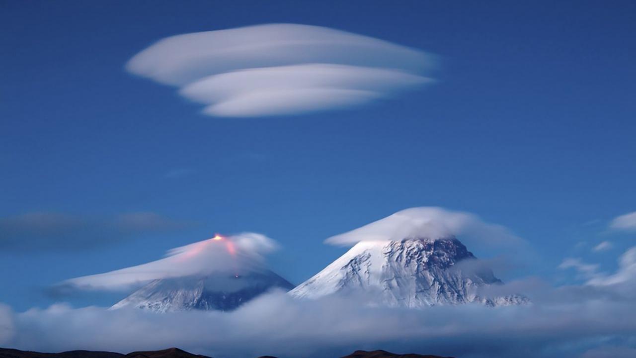 Облака как летающие тарелки. Тайна лентикулярных облаков (ФОТО)