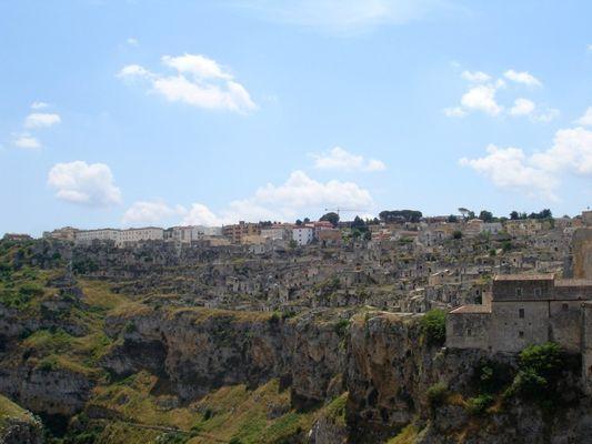 Матера: старинный каменный город современной Италии (ФОТО)