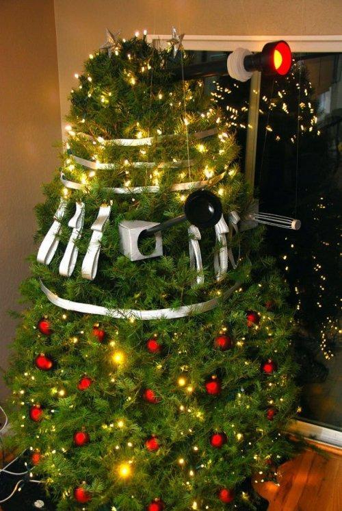 Самые странные новогодние ёлки (ФОТО)