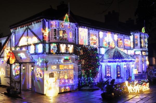 Магнит для туристов: самый популярный жилой дом в Европе (ФОТО)