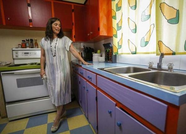 Пара воссоздала легендарную кухню Симпсонов в собственном доме (ФОТО)