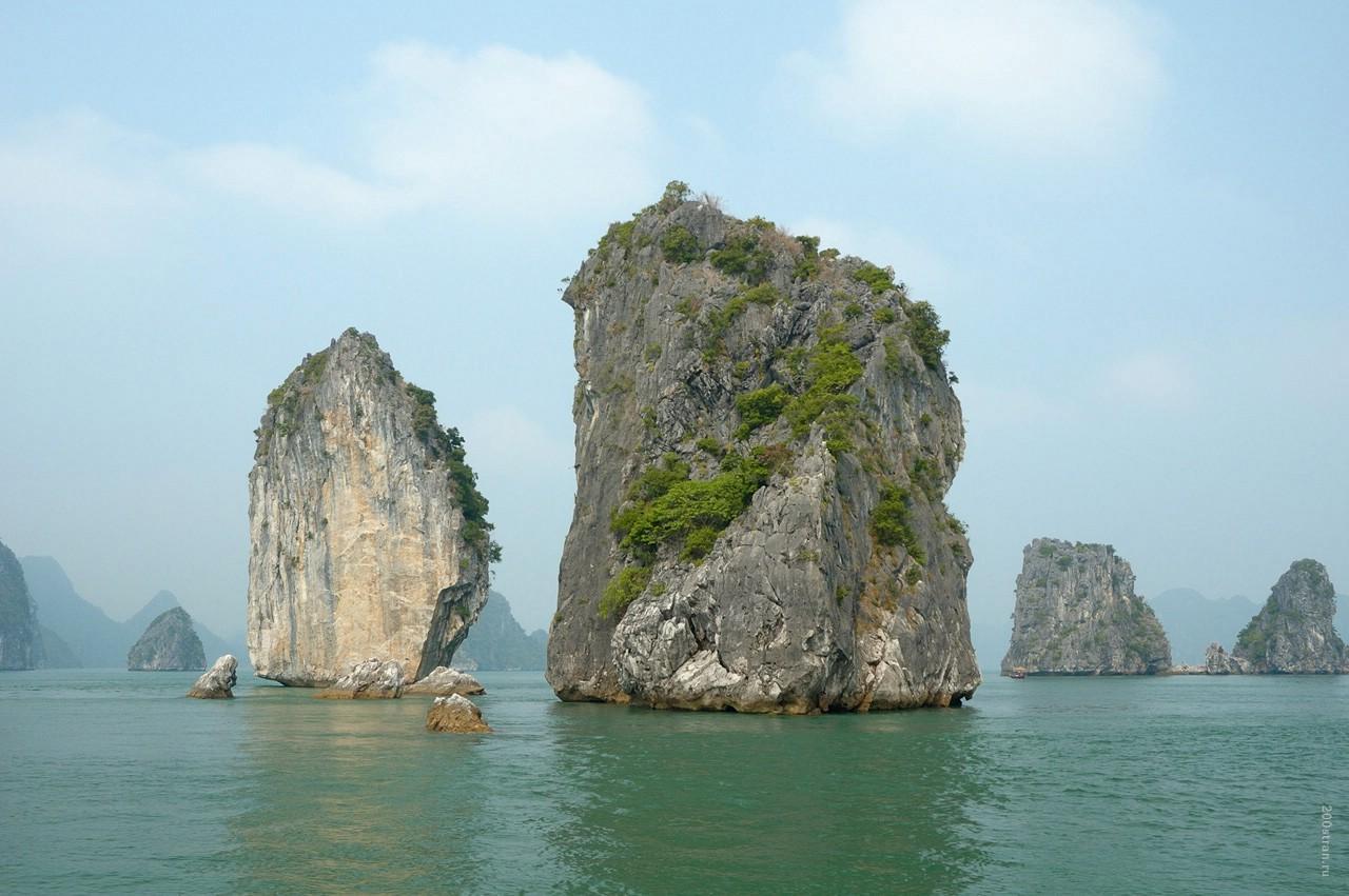 Чудо света - фантастически красивая бухта Халонг (ФОТО)