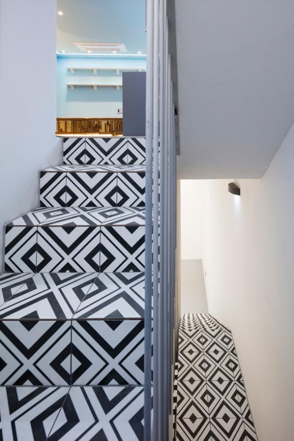 Оригинальный дизайн: узкий жилой дом в оживленном районе Сеула (ФОТО)