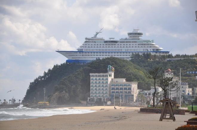 Лайнер на вершине утеса - необычный отель в Южной Корее (ФОТО)