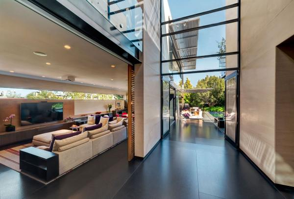 Частная резиденция 21 века: огромный особняк в дорогом пригороде Мехико (ФОТО)