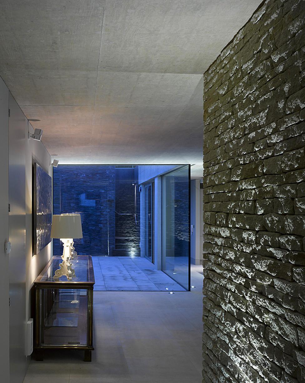 Необычный проект. В Англии древнюю башню превратили в современный жилой дом (ФОТО)