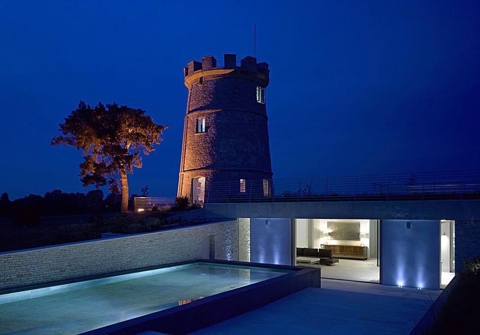 современные дома с башней крепость фото компаний товаров услуг
