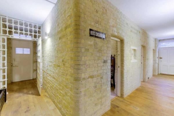 В Британии жилой дом в полицейском участке продают за 1 млн долларов (ФОТО)