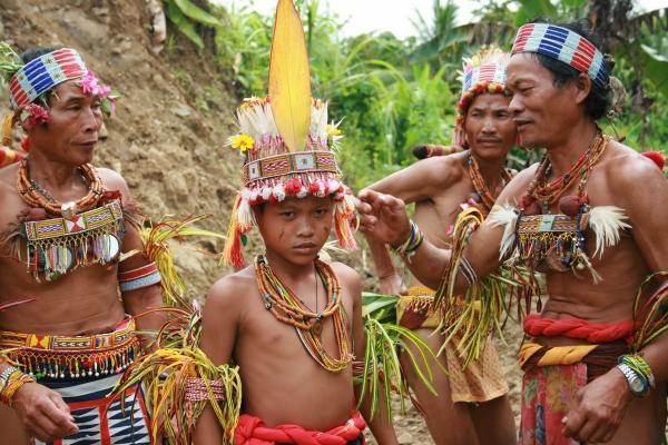 Ментавайцы – коренной народ Индонезии (ФОТО)