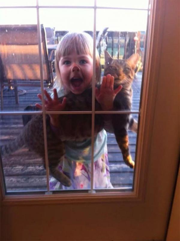 10 причин не оставлять детей наедине с домашними животными (ФОТО)