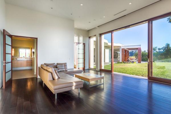 С голливудским размахом: впечатляющий дом в самом фешенебельном районе Лос-Анджелеса (ФОТО)