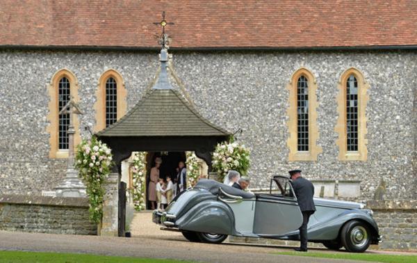 Экстравагантная классика: свадебные снимки Пиппы Миддлтон (ФОТО)