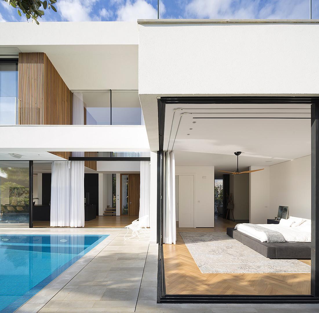 Под стеклом: Панорамный дом с бассейном в Израиле (ФОТО)