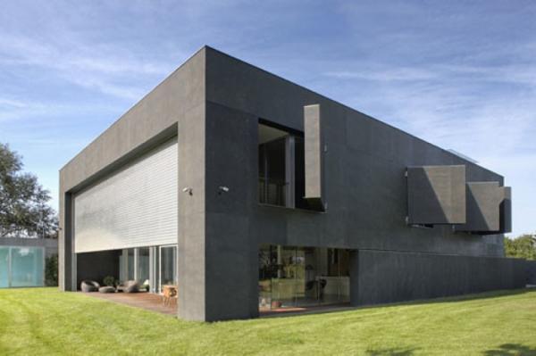 Неприступная крепость: монолитный дом, который защищен от незваных гостей (ФОТО)