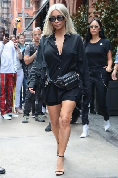 Ким Кардашьян вновь появилась на публике без нижнего белья (ФОТО)