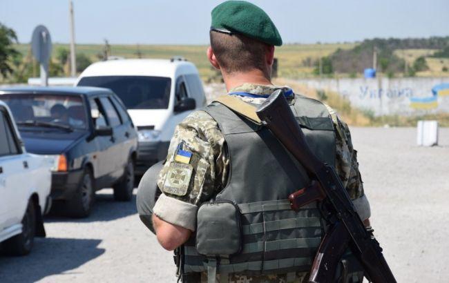 Кабмин упрощает пересечение админграницы с Крымом