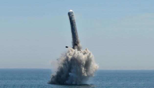 """Китай испытал ракету, которая может """"достать"""" до США"""