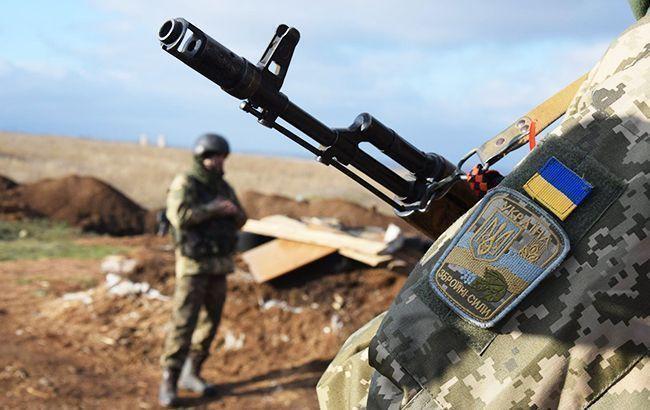 Боевики на Донбассе 3 раза обстреляли украинских военных