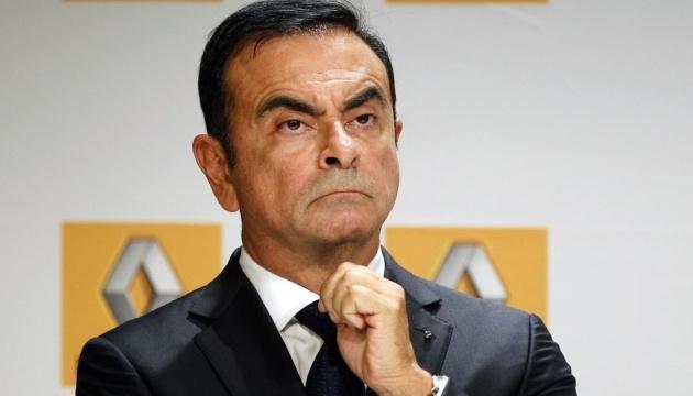 Экс-президент Nissan сбежал из Японии, где его должны были судить за махинации