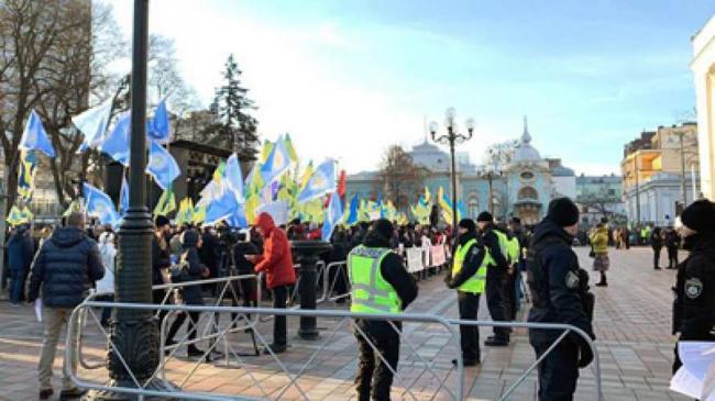 Полиция призывает не идти против закона на акциях в центре Киева