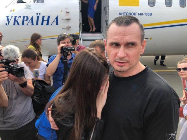 Главным событием года украинцы считают освобождение моряков и политзаключенных