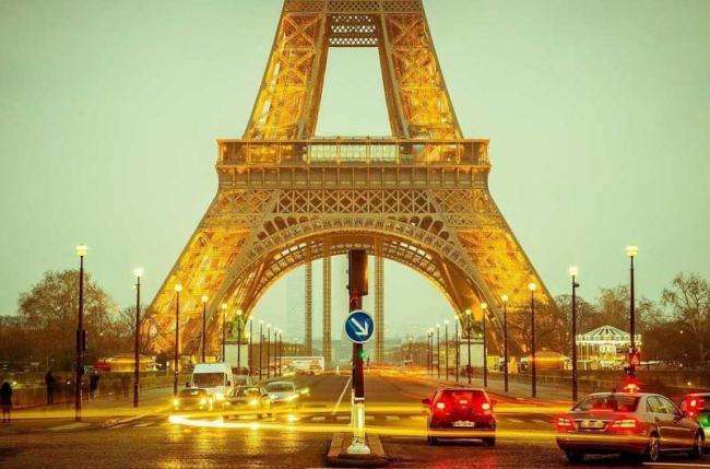 Во Франции налог на неэкологичные авто вырастет до 20 тысяч евро