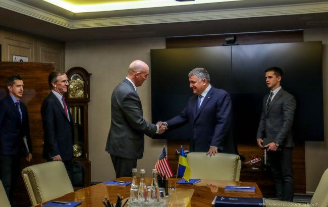 Украина и США будут сотрудничать по противодействию наркопреступности