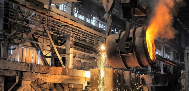За год падение промпроизводства в Украине ускорилось до 7,7%
