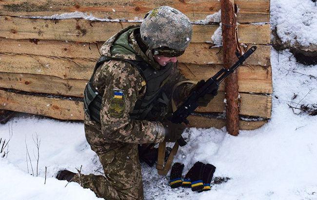 Боевики на Донбассе 20 минут из минометов обстреливали Крымское